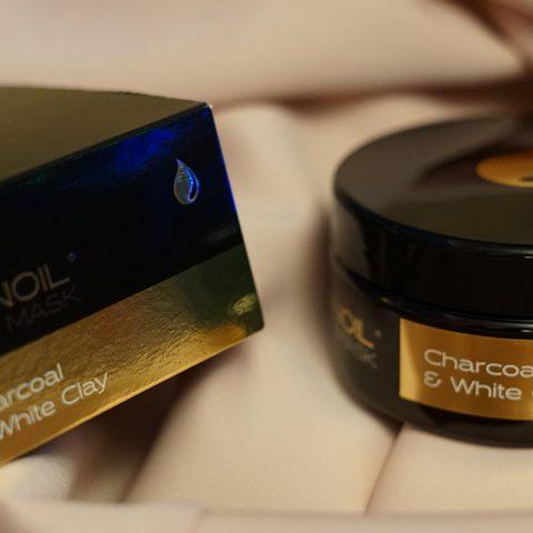 Arvostelussa Nanoilin Charcoal & White Clay-hiusnaamio. Upeat tulokset!